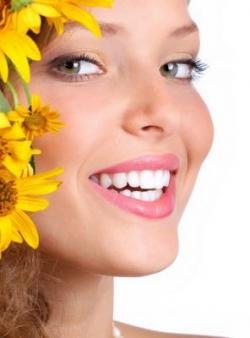 Как лечить кариес на передних зубах