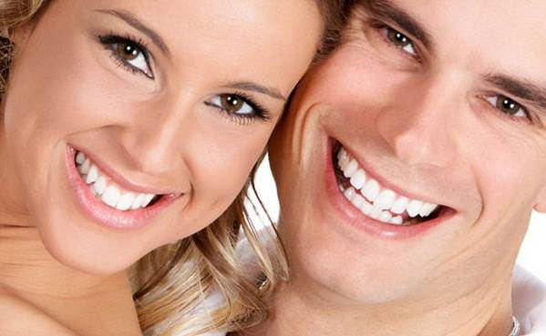 виниры на зубы дома