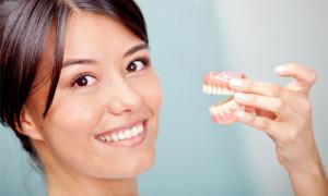 Фото: Какие лучше зубные протезы?