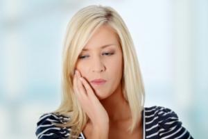 Фото: Болят зубы после лечения кариеса