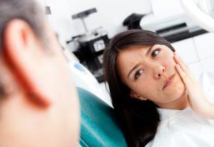 Осложнения после имплантации зубов на нижней и верхней челюсти