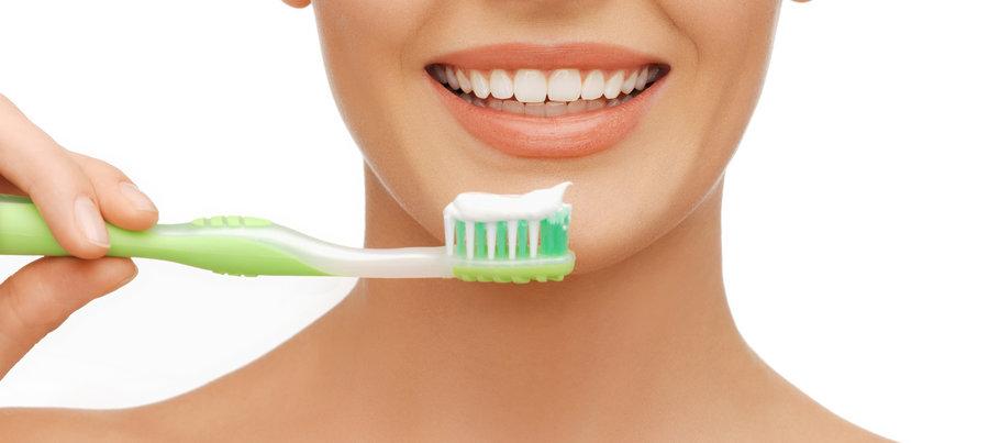 Проведение гигиены полости рта для профилактики кариеса