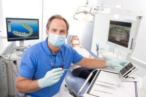 Фото: Стоматолог-хирург