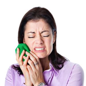 Фото: Поставили временную пломбу, а зуб болит