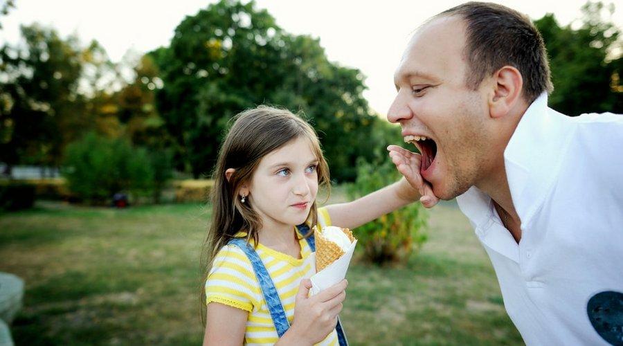 дети получают бактерии кариеса от взрослых