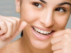 Фото: Уход за металлокерамическими зубами