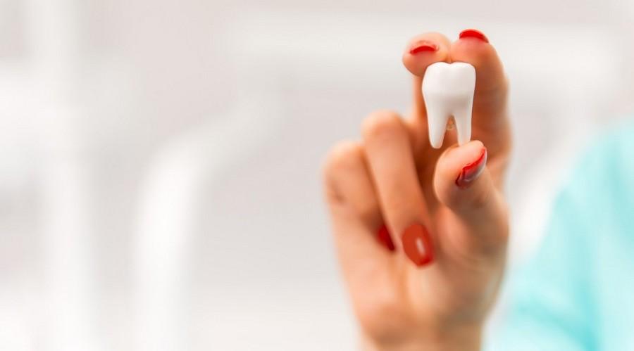 Зубы болят и ломаются, удалять ли зуб мудрости — приметы