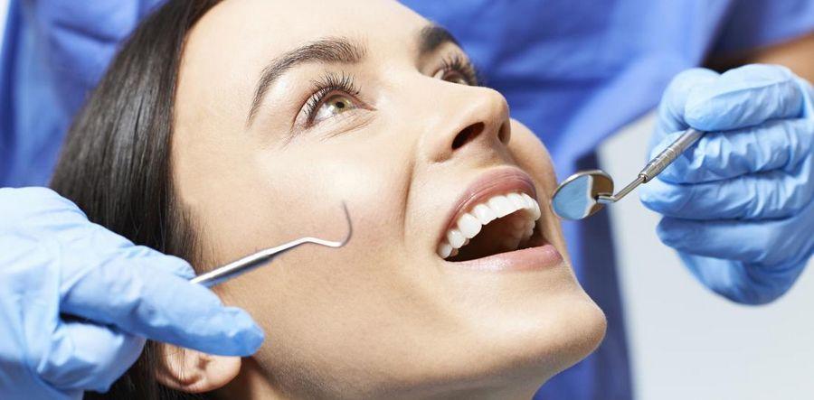 Диагностика рецессии десен в стоматологическом кабинете