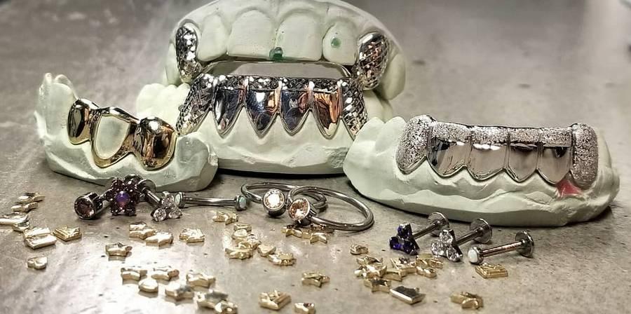 украшение на зубы